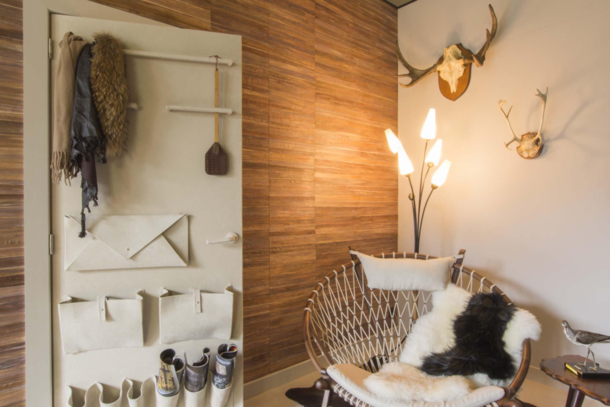 Scandinavian door covering in beige velvet suede