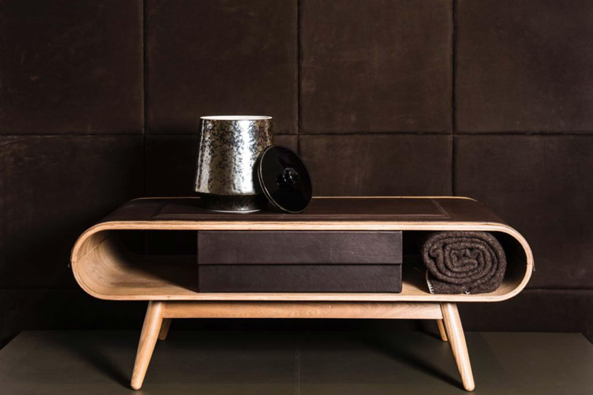 Table Basse en chêne et cuir marron